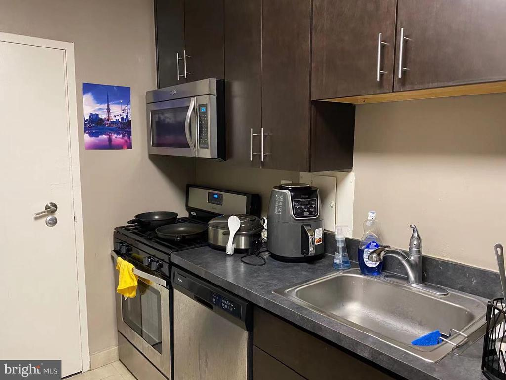 Photo of 2000 S Eads St #1220