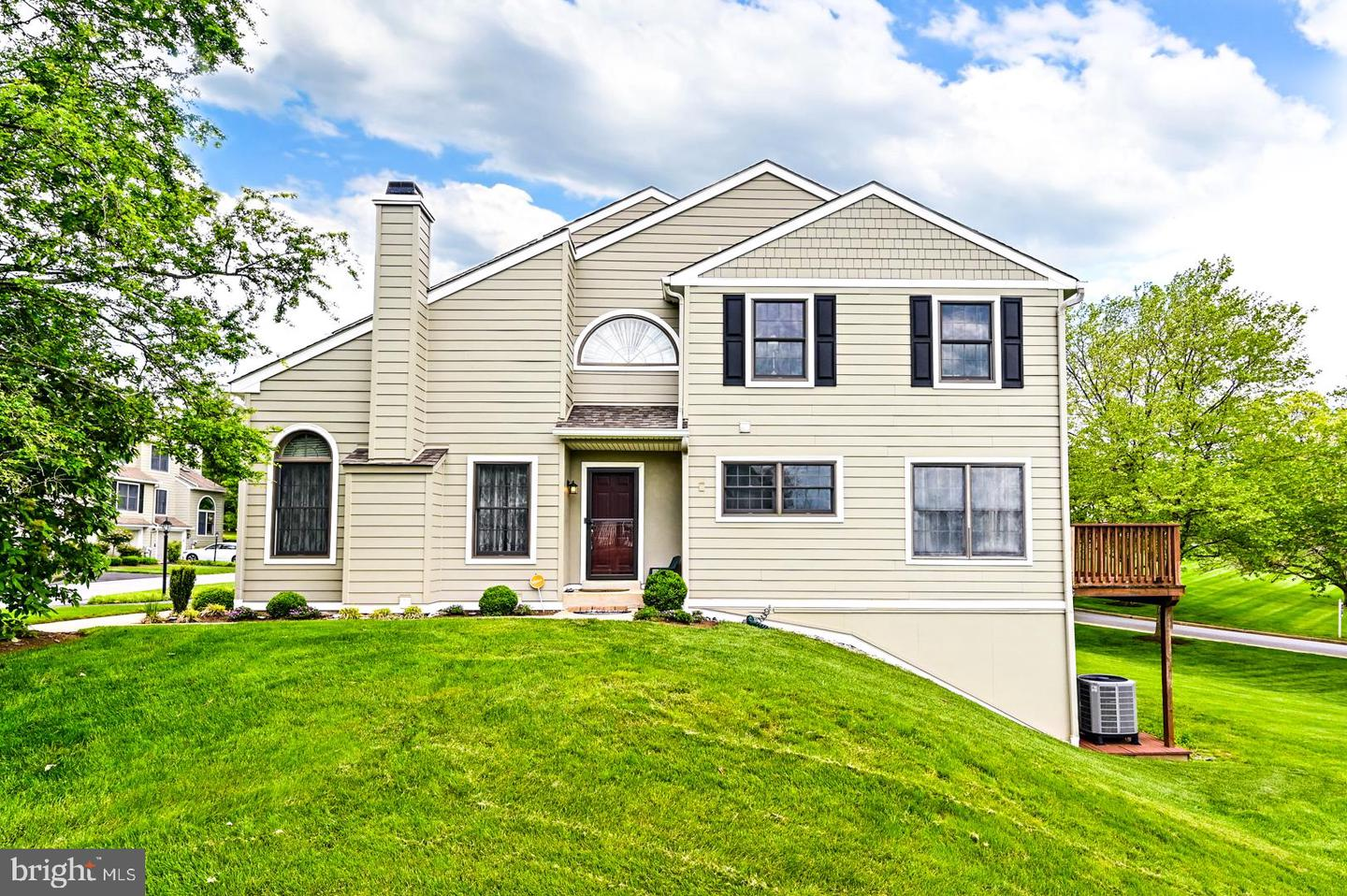 606 Radcliffe Court Newtown Square, PA 19073