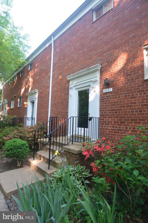 Photo of 1631 Preston Rd