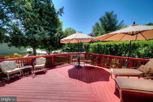 5433 Sequoia Farms Dr Centreville VA 20120