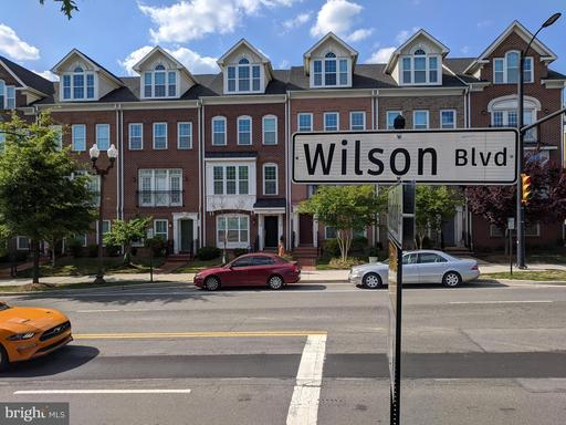 813 N Woodrow St Arlington VA 22203