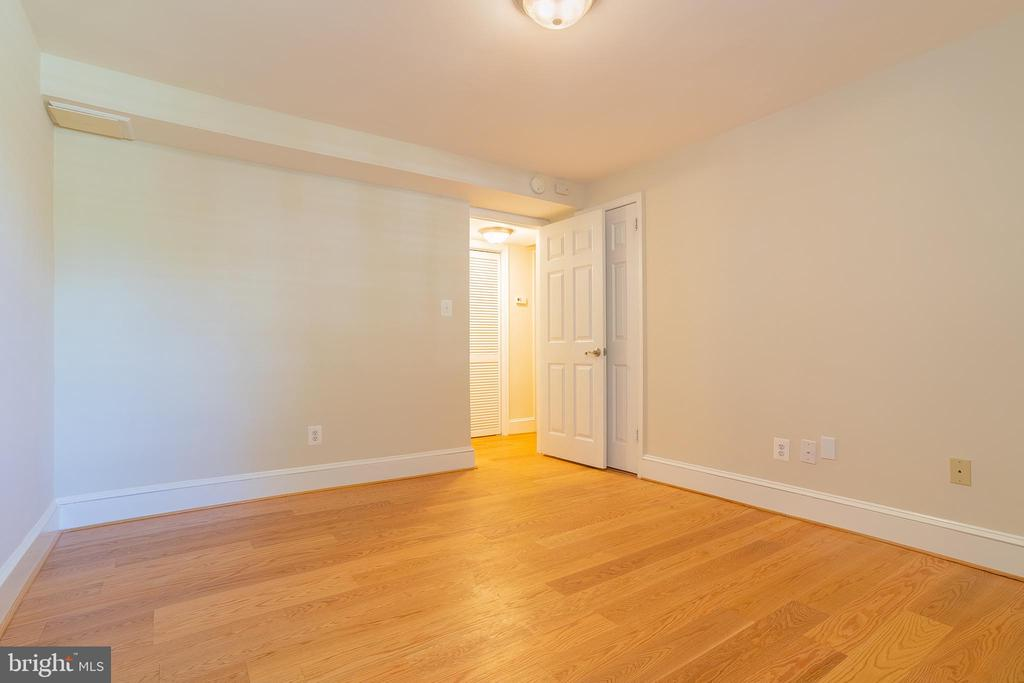 Photo of 400 Commonwealth Ave #107