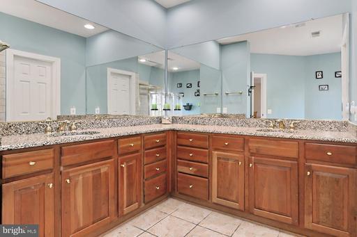 20585 Blue Water Ct Ashburn VA 20147