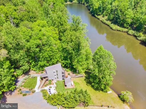 306 Pine Dr Amissville VA 20106