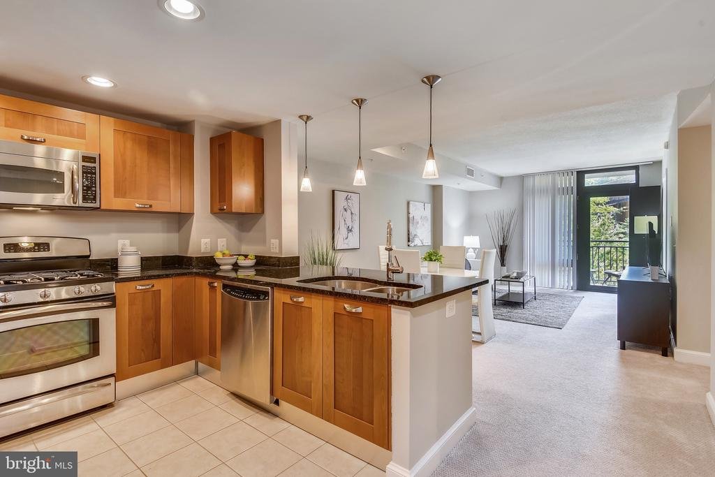 Photo of 2451 Midtown Ave #418