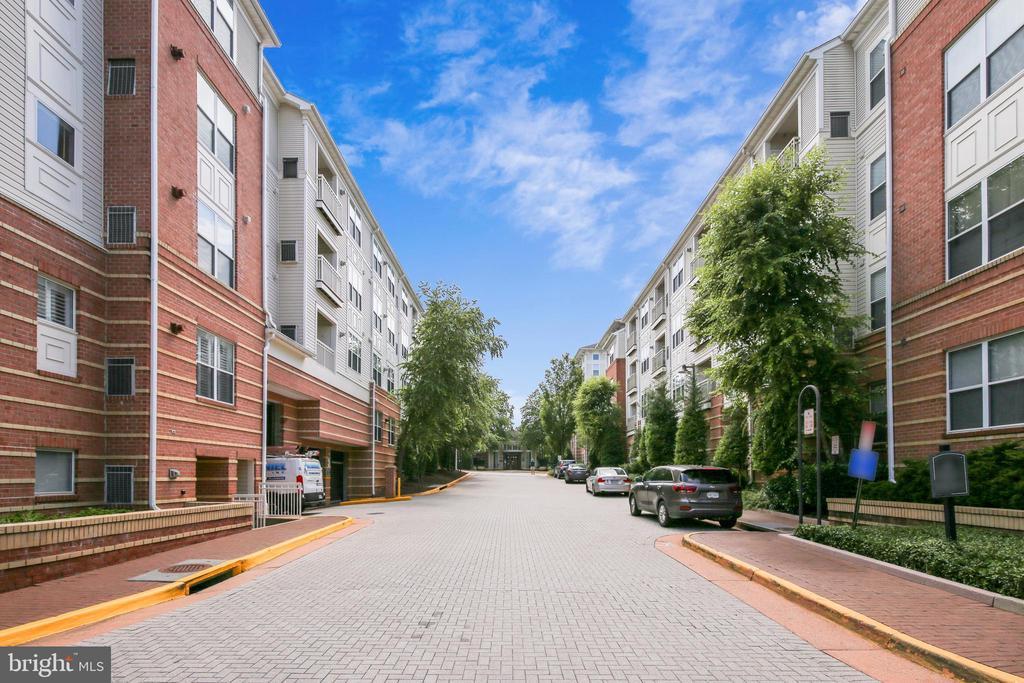 Photo of 9486 Virginia Center Blvd #316