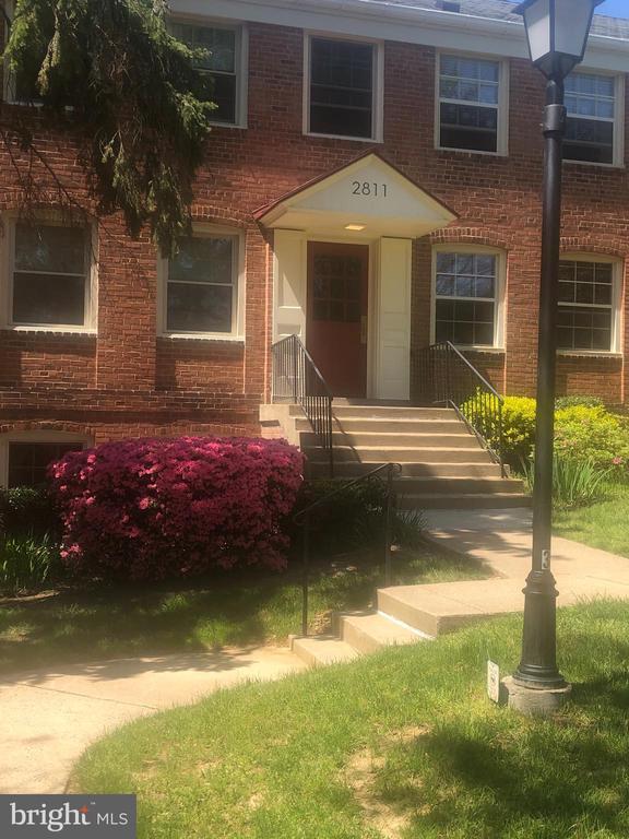 Photo of 2811 Arlington Blvd #155