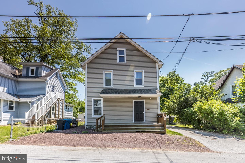 832 Maple Avenue Berwyn, PA 19312