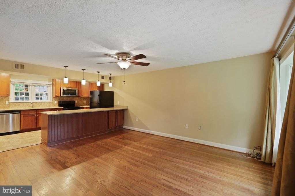 Photo of 128 S Virginia Ave #23