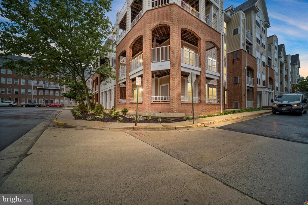 Photo of 2701 Bellforest Ct #106