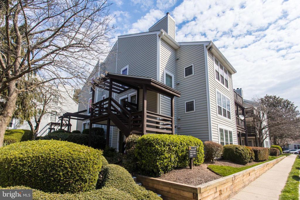 10032 Oakton Terrace Rd