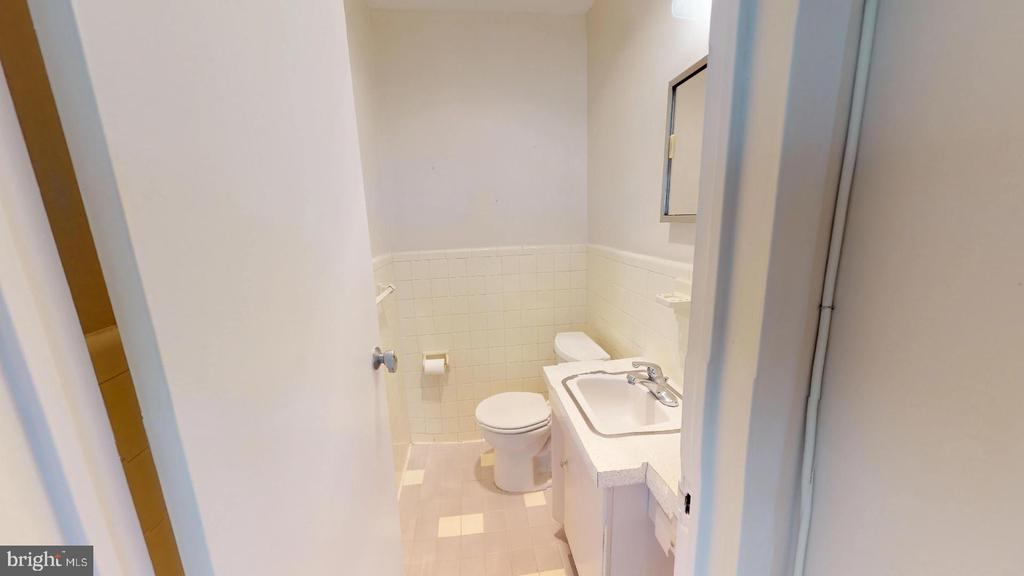 Photo of 6641 Wakefield Dr #408