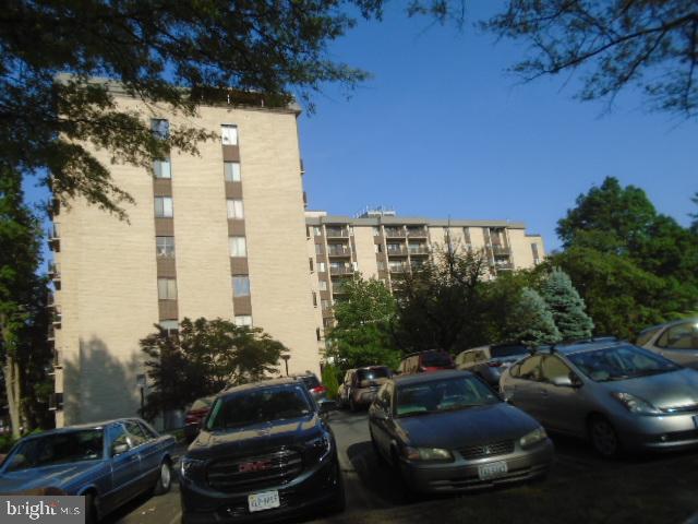 6001 Arlington Blvd #124