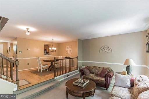 5924 Grisby House Ct Centreville VA 20120