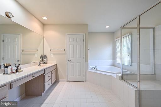 1468 Buena Vista Ave Mclean VA 22101