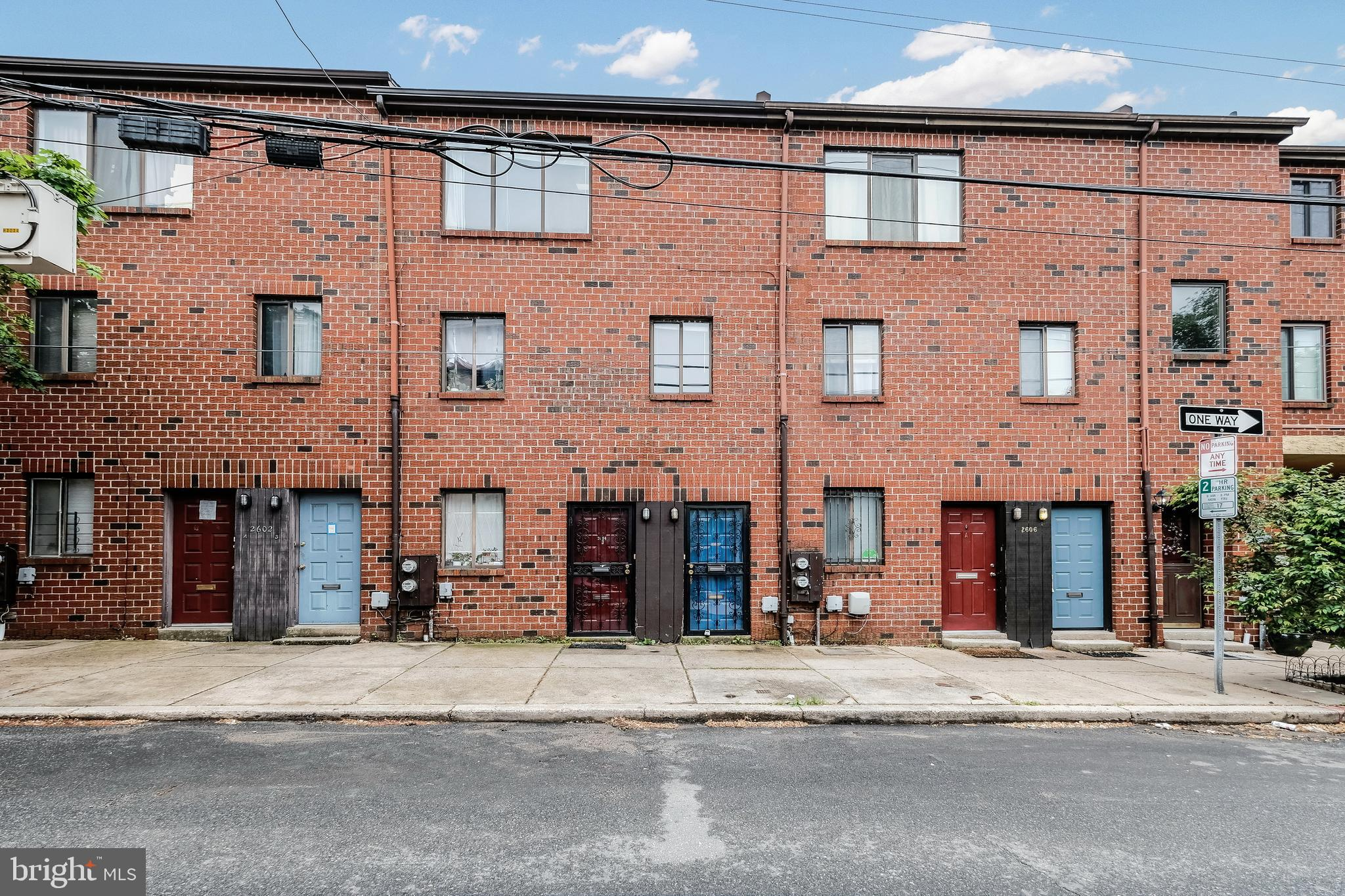 Fabulous DUPLEX with 1CAR parking in the heart of Fairmount. First  floor is a gracious 2 bedroom, current rent is $1700/ mo. Second floor consists of a light filled spacious and gracious 1 bedroom apartment, whose market rent, including parking is $1600/ mo Both units are self contained! Great investment opportunity,  and or owner occupant situation.  Located just minutes from Kelley Drive, The Philadelphia Art Museum, Wholefoods Market,  Penn and Chop.