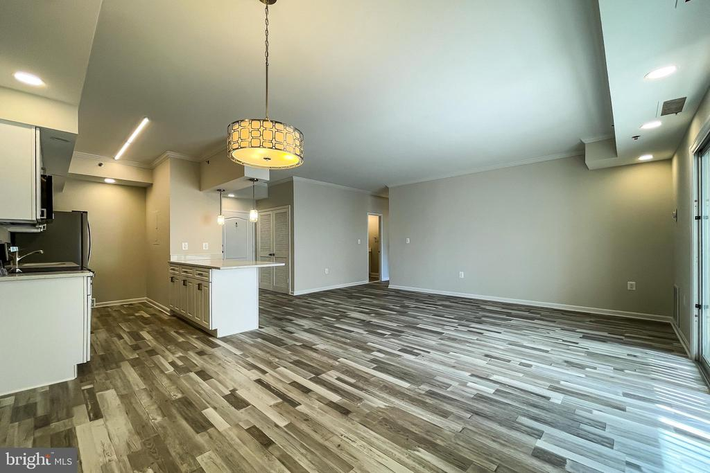 Photo of 1211 S Eads St #906
