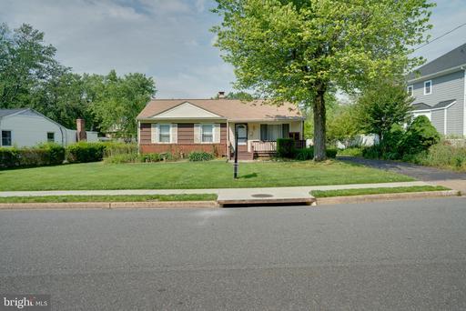 10821 Woodhaven Dr Fairfax VA 22030
