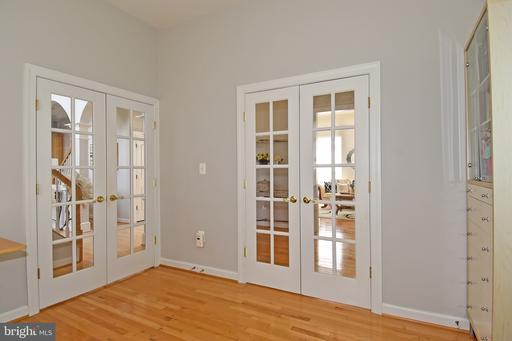 4996 Marshall Crown Rd Centreville VA 20120