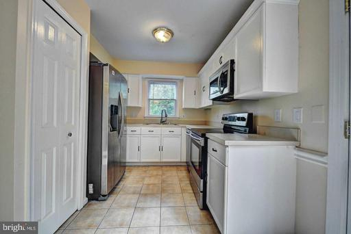 13940 Middle Creek Pl Centreville VA 20121