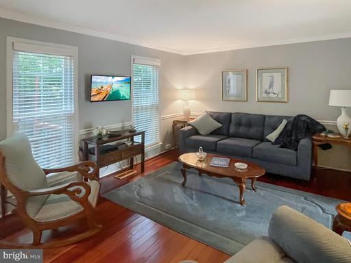 9936 Wood Wren Ct Fairfax VA 22032