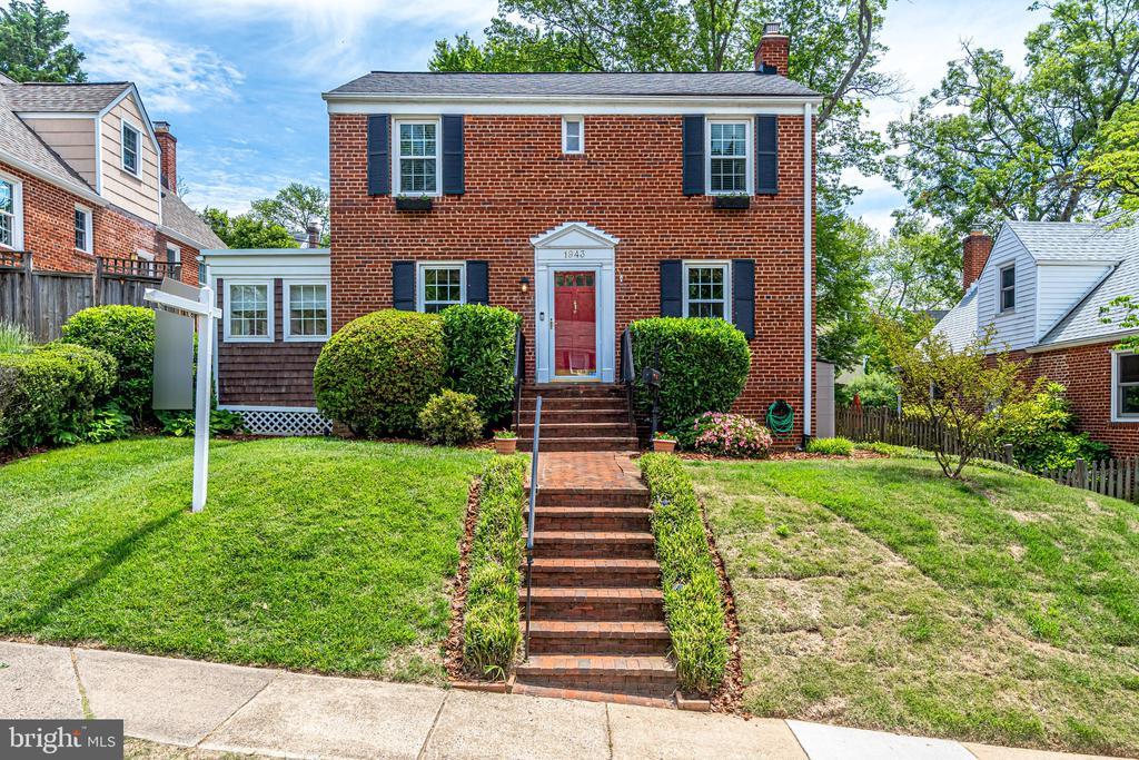 1943 N Upland St, Arlington, VA 22207