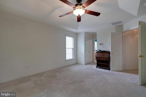 5866 Linden Creek Ct Centreville VA 20120