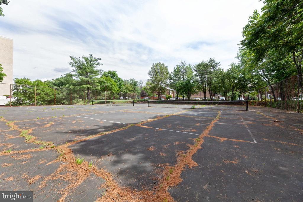 Photo of 6300 Stevenson Ave #1113