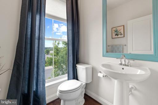 42234 Palladian Blue Ter Brambleton VA 20148