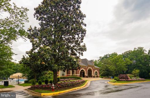 14516 Oakmere Dr Centreville VA 20120