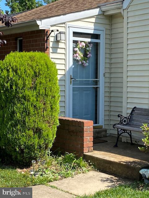 Beautiful townhome on tree lined street at end of cul-de-sac. Laminate  flooring in living room and dining room in hardwood flooring look style ,  . All bedrooms and baths on one main level . Living room with wood burning fireplace . Dining room with pass through to kitchen.  Finished den in basement with French doors leading to private fenced in yard. The  basement offers loads of storage areas. Workbench in unfinished area.. Owners have taken wonderful care of property and pride of ownership is evident throughout .