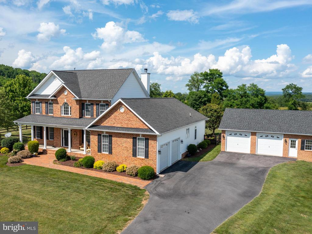 125 Tuckers Valley Dr