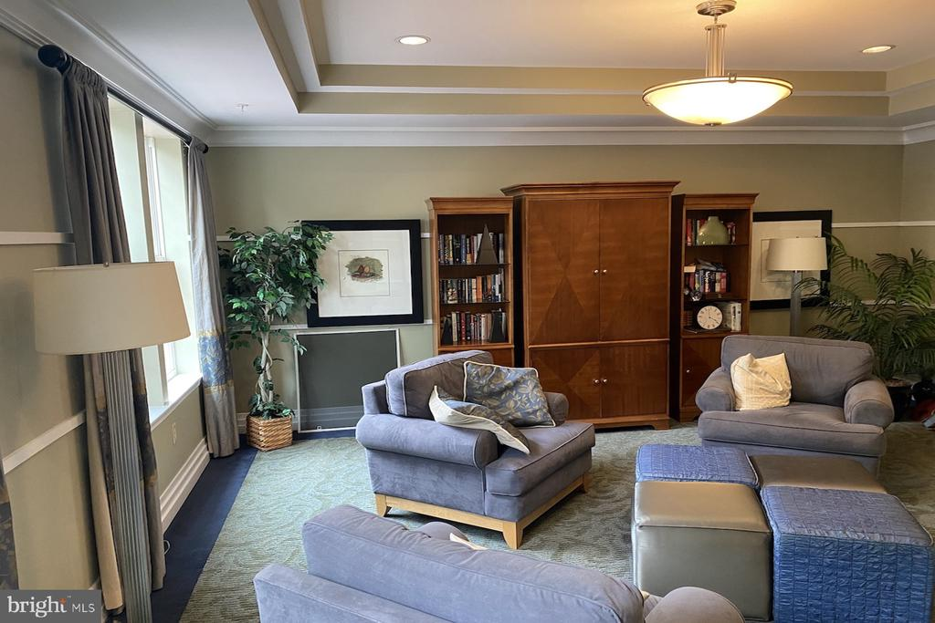 Photo of 4950 Brenman Park Dr #110