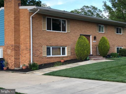 10926 Orchard St, Fairfax, VA 22030