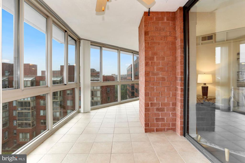 Photo of 1001 N Vermont St #810
