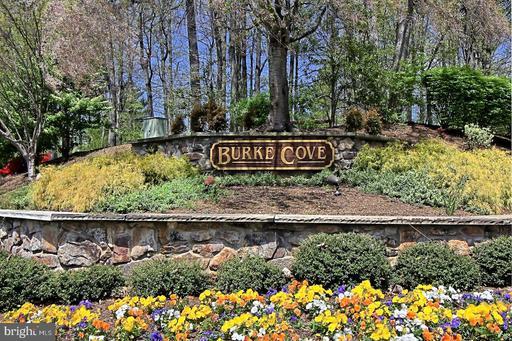 5936 Cove Landing Rd #201b