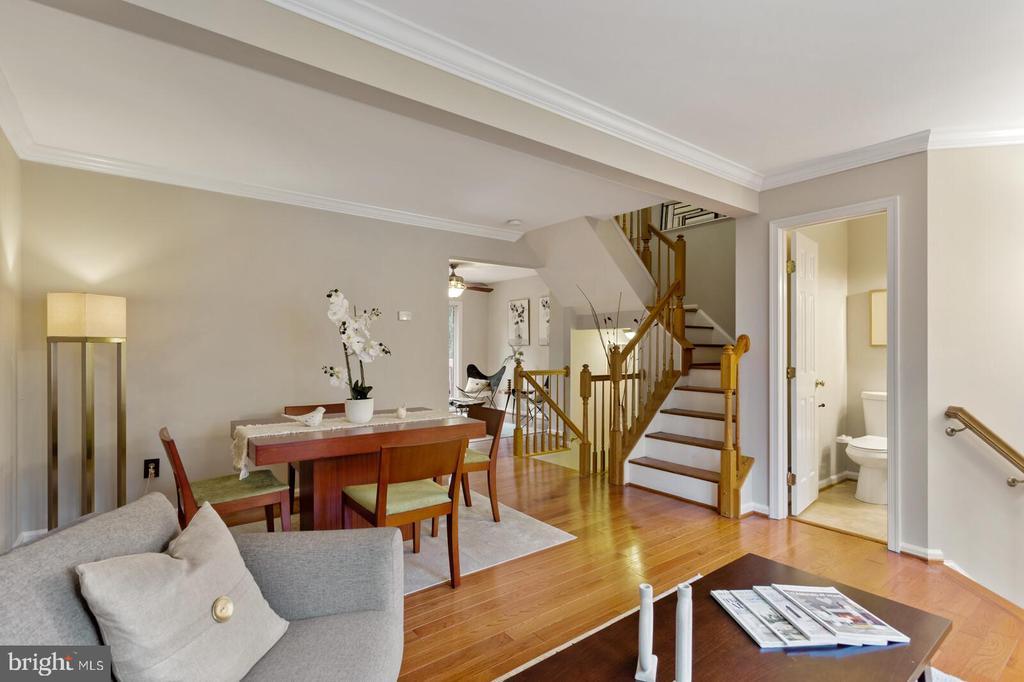 Photo of 6213 Abbottsbury Row