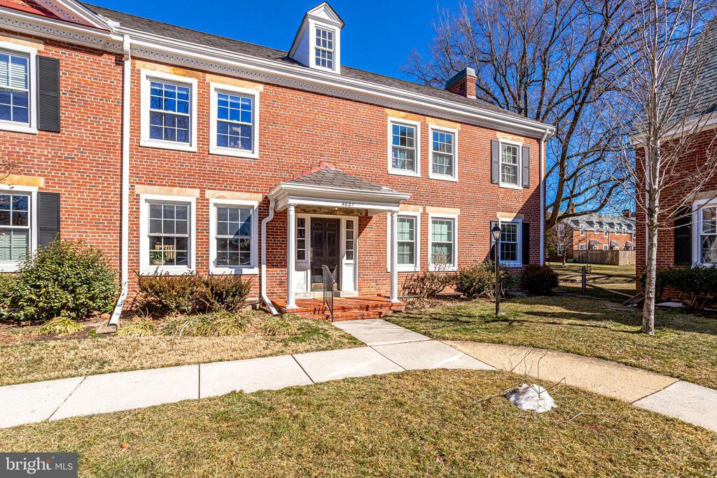4627 36th St S #A2, Arlington, VA 22206
