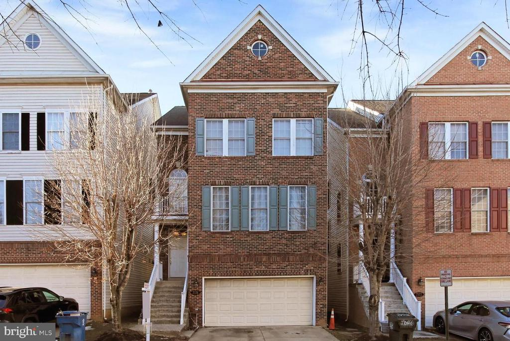 7174 Pennys Town Ct, Annandale, VA 22003