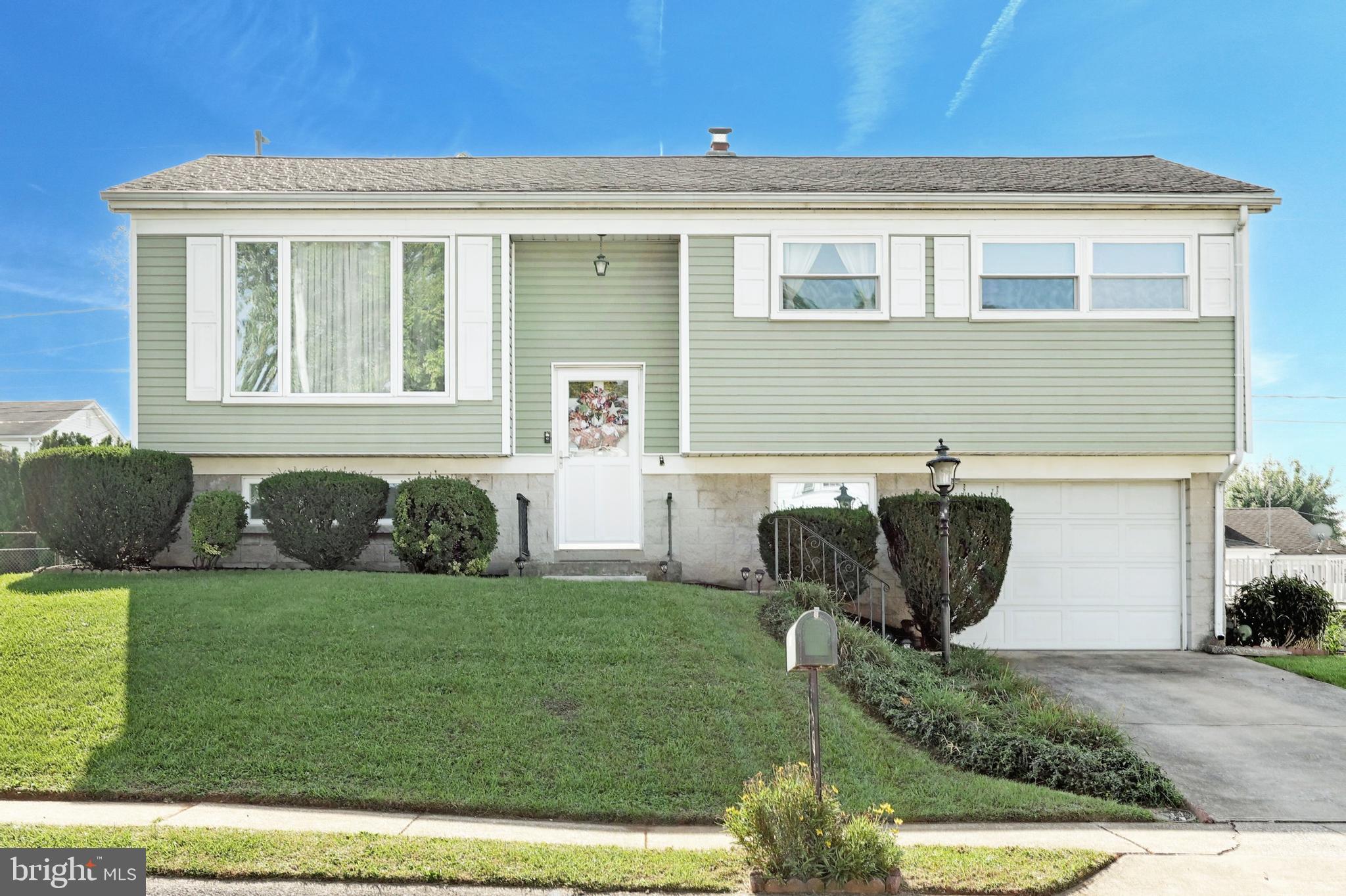 982 Marbrook Lane, York, PA 17404