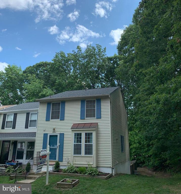 9195 Forest Breeze Ct