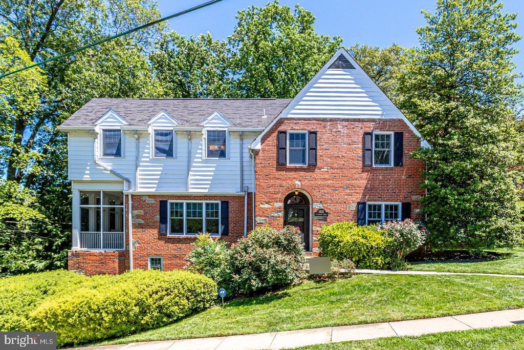 1931 N Harvard St, Arlington, VA 22201
