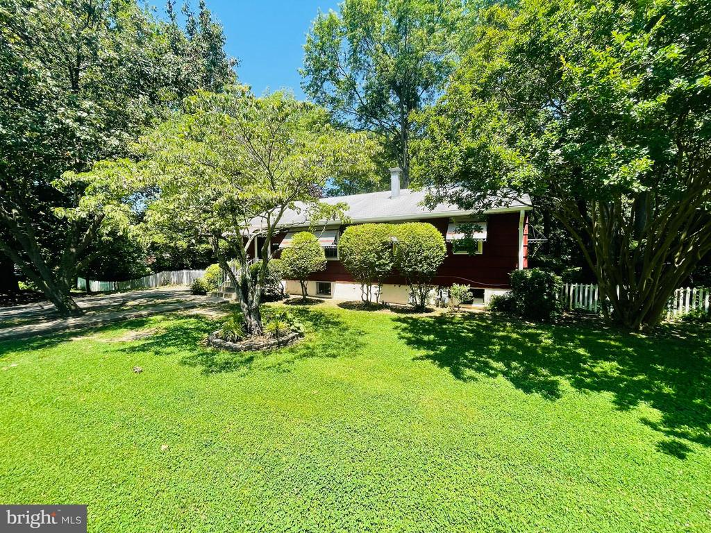 Photo of 2408 Fairview Dr
