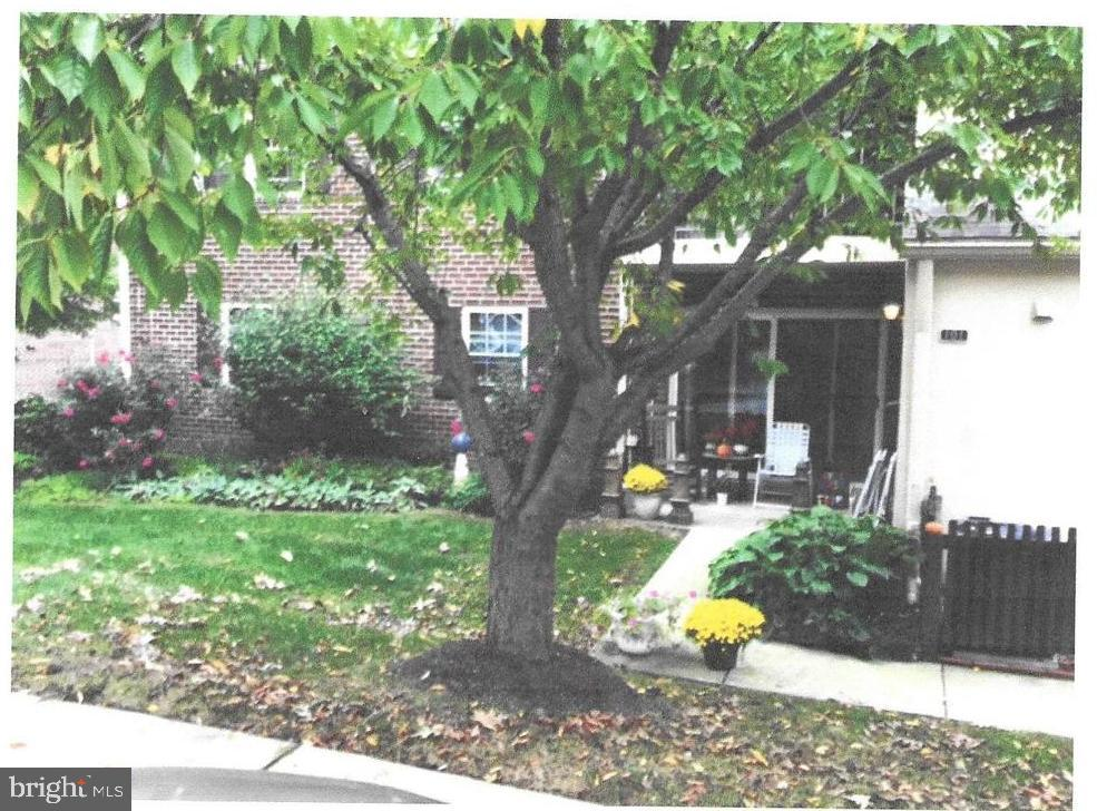 Wonderful community.  Close to shopping, restaurants, highways, and public transportation.  Award winning TE schools.  Pool and tennis included in condo fee.  One floor living.  Two bedrooms and two baths.  One amazing walk-in closet that could easily be converted to an in home office.  Wonderful other closet space.  Delightful front patio accessible through sliding glass doors and the front door.  Lots of parking.  End unit adds plenty of natural light.