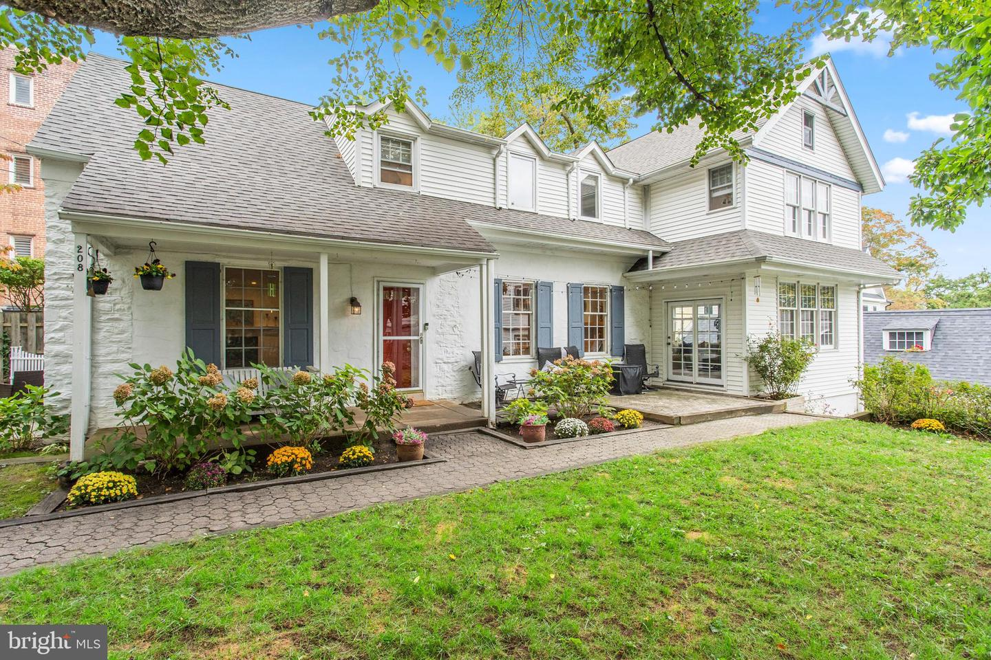 208 Barrie Road Narberth, PA 19072
