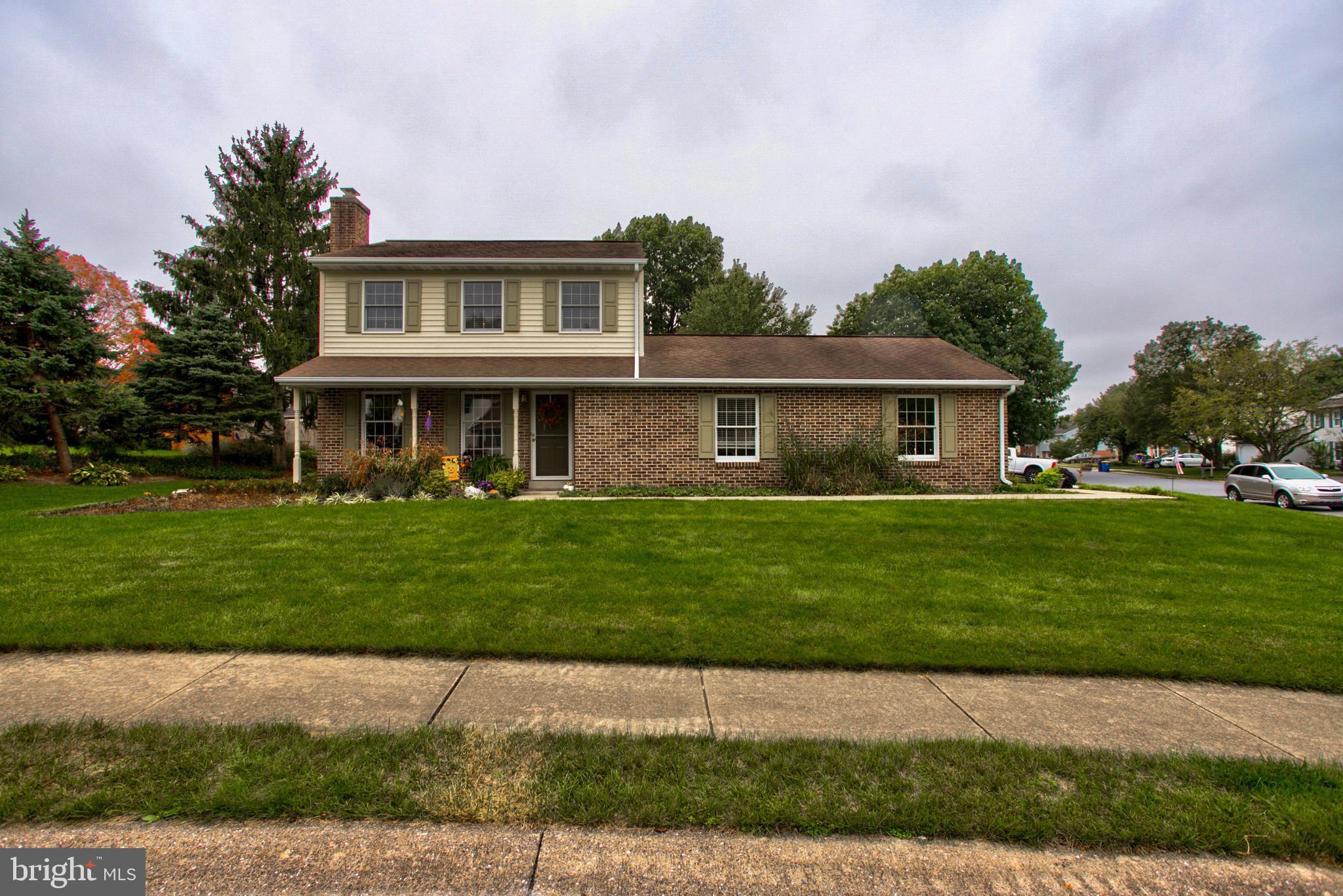 498 Salem Drive, Lancaster, PA 17601