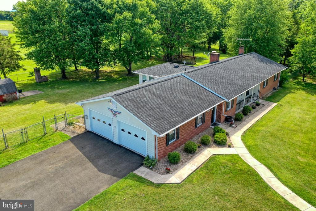 Photo of 222 Meadow Dr