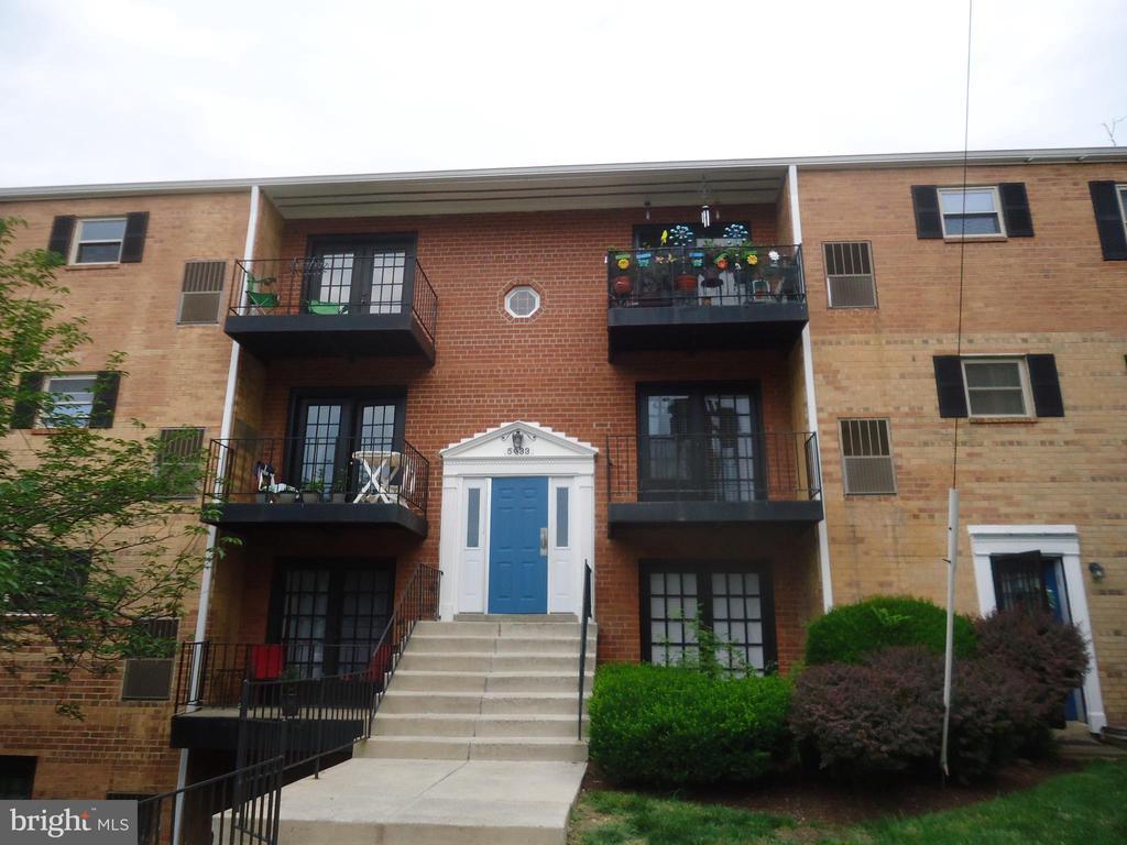 5933 Quantrell Ave #204