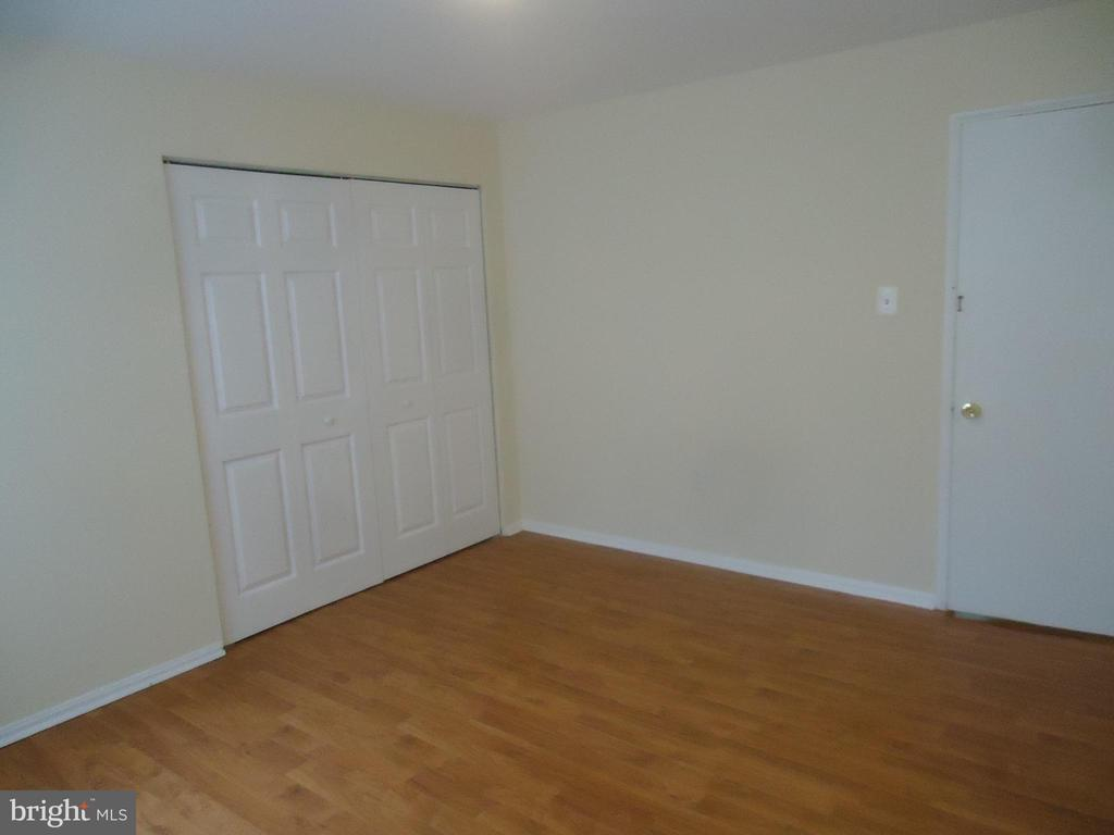 Photo of 5933 Quantrell Ave #204