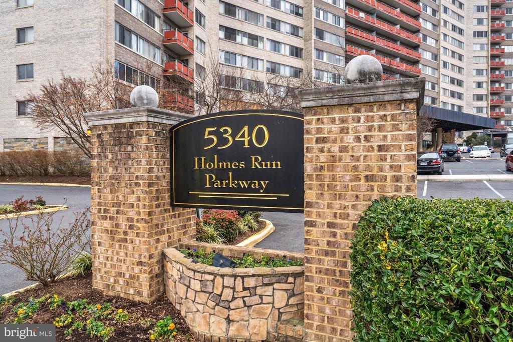 5340 Holmes Run Pkwy #718